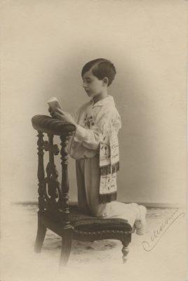 1923. JHC, de primera comunión, Madrid 30 de junio de 1923