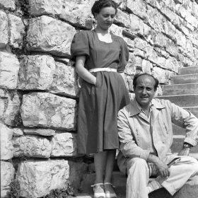 1947. JHC con su mujer en Echaide Borda, San Sebastián, verano de 1947