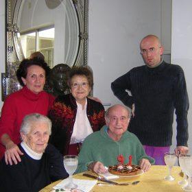 2005. JHC celebrando su 91 cumpleaños junto a su mujer, su hija Ana, su hermana Mari Lola y su nieto Jaime. Molino de la Hoz, 7 de enero de 2005