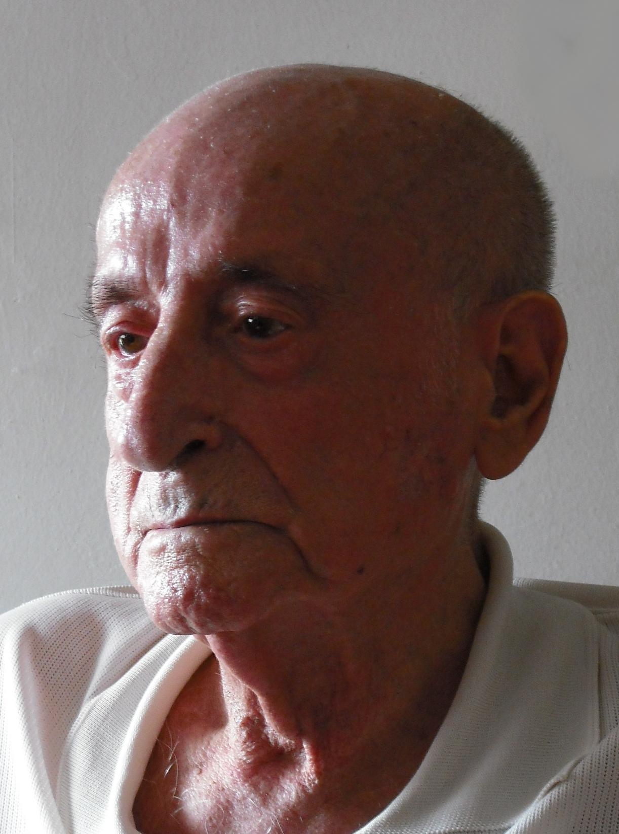 2008.1. JHC, en su casa de Molino de la Hoz, 10 de septiembre de 2008
