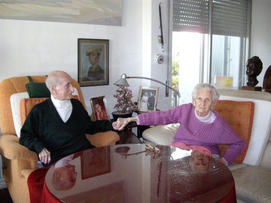 2009.4. JHC con su mujer, celebrando el 67 aniversario de su boda, Molino de la Hoz, 23 de octubre de 2009
