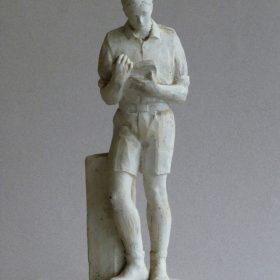 1951. Joven que lee, trofeo, bronce, mayólica, 23,5x8,5x7 cms. 1951