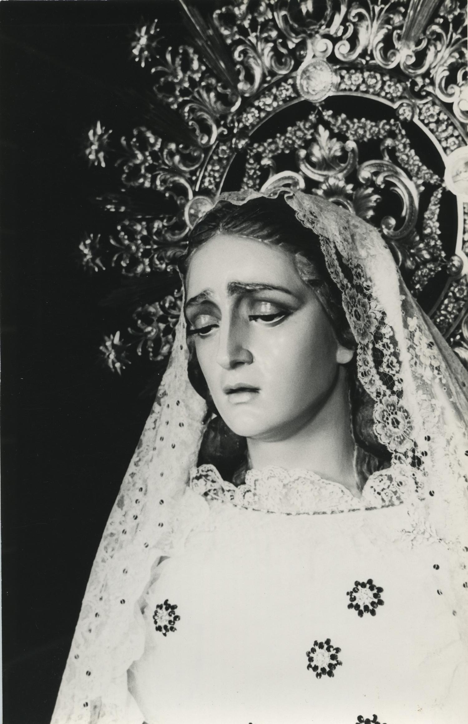 1952. Nuestra Señora del Rosario, o Virgen Blanca. Talla policromada. Parroquia de San Pablo, Zaragoza. 1952