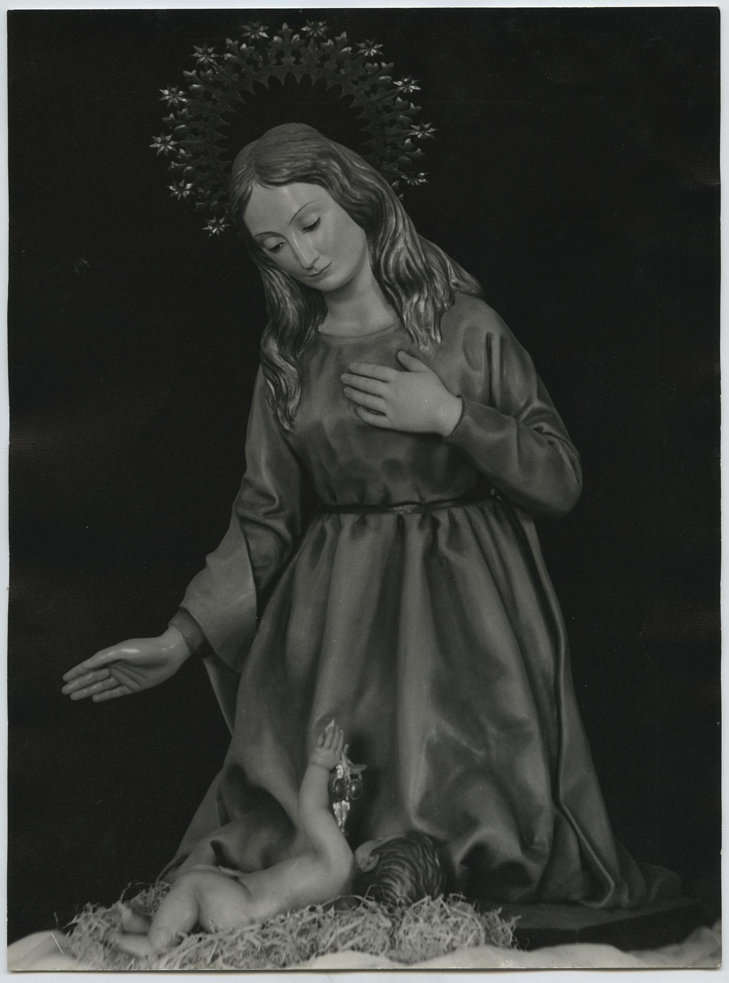 1956.2. Virgen de Belén con niño. Madera policromada, tamaño natural. Parroquia de Nuestra Señora de Belén y San Roque, Jaén. 1956