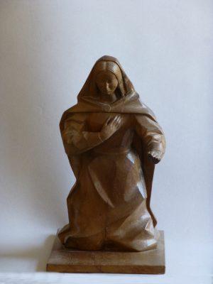 1959.3. Virgen. Nacimiento con 3 figuras, madera de nogal, 32x16x27 cms. 1959