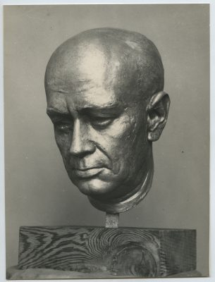 1961.5. Cabeza del ingeniero Eduardo Torroja, bronce, 35x21x25 cms. Jardines del Instituto Eduardo Torroja, Madrid. 1961