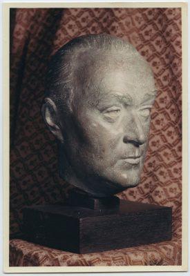 1964.2. A la Poesía, Trofeo, bronce, 17x12x5 cms. 1ª Llamada a los Poetas, Radio España Madrid. 1964