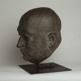 1967.3. Cabeza de Modesto Higueras Cátedra, hormigón, , 45x30x29 cms.1967