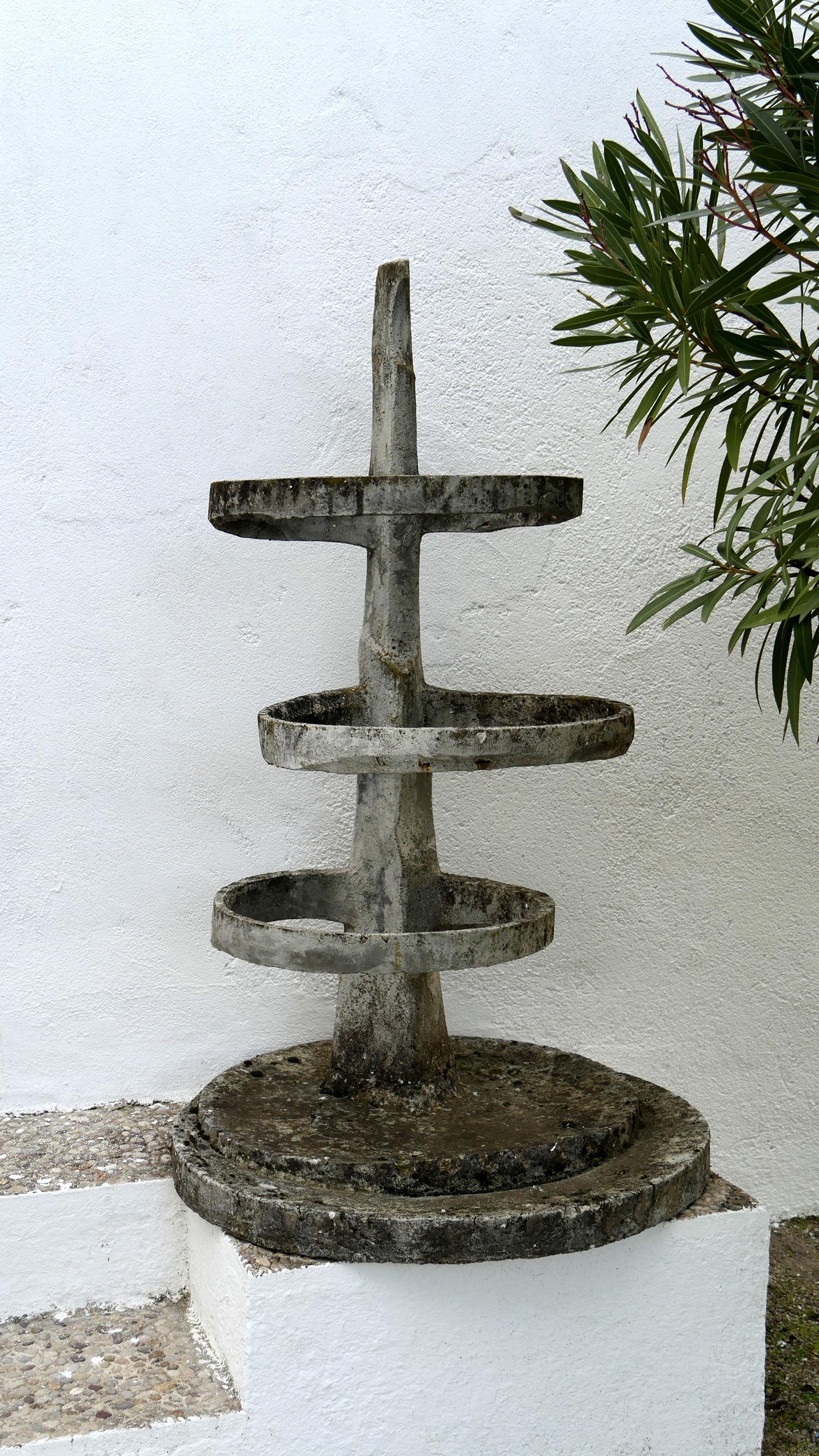 1969. Fuente Monumental con Aros, Boceto de proyecto, hormigón, 115x66x66 cms. 1969