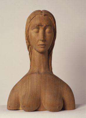 1969.9. Vietnamita, busto femenino, madera, 48x33x18 cms. 1969