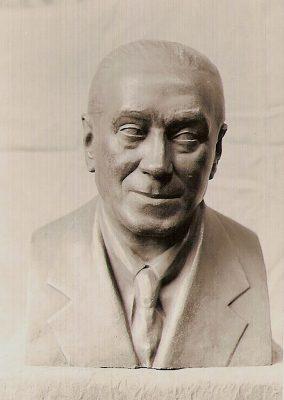 1971.1. Busto del compositor Joaquín Turina, bronce. Escuela Superior de Canto, Madrid.