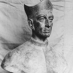 1971.3. Busto del compositor Tomás Luis de Victoria, bronce. Escuela Superior de Canto, Madrid. 1971