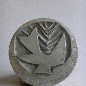 1972.1. Medalla grande, aluminio, 13x1 cms. Grupos de extensión Agraria, Ministerio de Agricultura. 1972