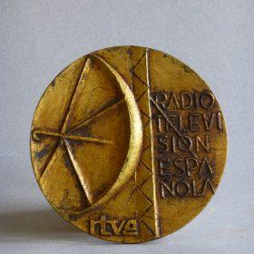 1973.2. Medalla R.T.V.E., bronce, 9,05x0,4 cms. 1973