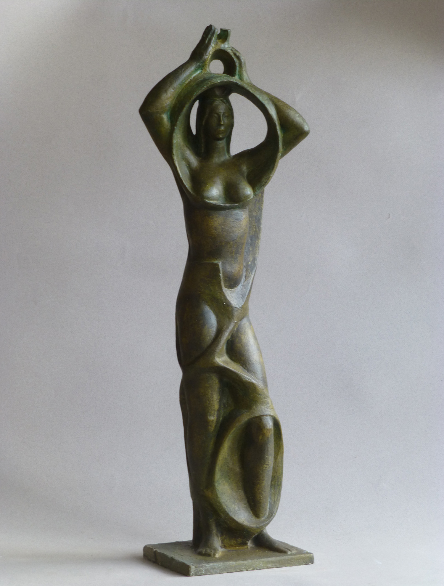 1974.2. Mujer de pie con cántaro, mayólica patinada, 57x19x10 cms.. Boceto para Fuentes Avda. de Oporto, Madrid. 1974