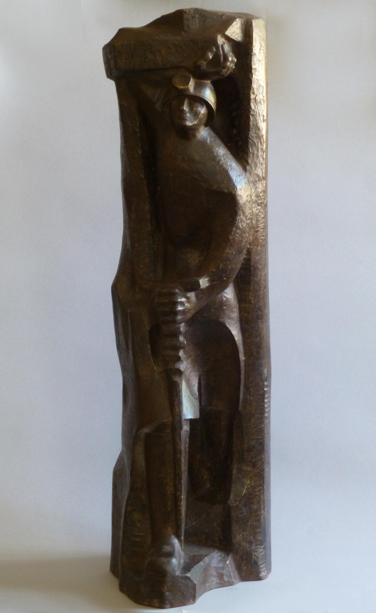 1974.4. Figura del Minero, resina con patina de bronce, 72x20x22 cms. Boceto de la figura Monumental del Monumento al Minero en Guardo, Palencia. 1974