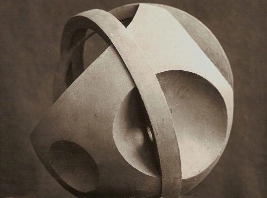 1983.2. Planetarium, hormigón blanco, 31X31X31 cms. Boceto para la Estación Marítima de Valencia. 1983