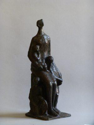 1984.4. Maternidad, bronce, 38x12x13 cms. Boceto de Grupo para Guardería. 1984