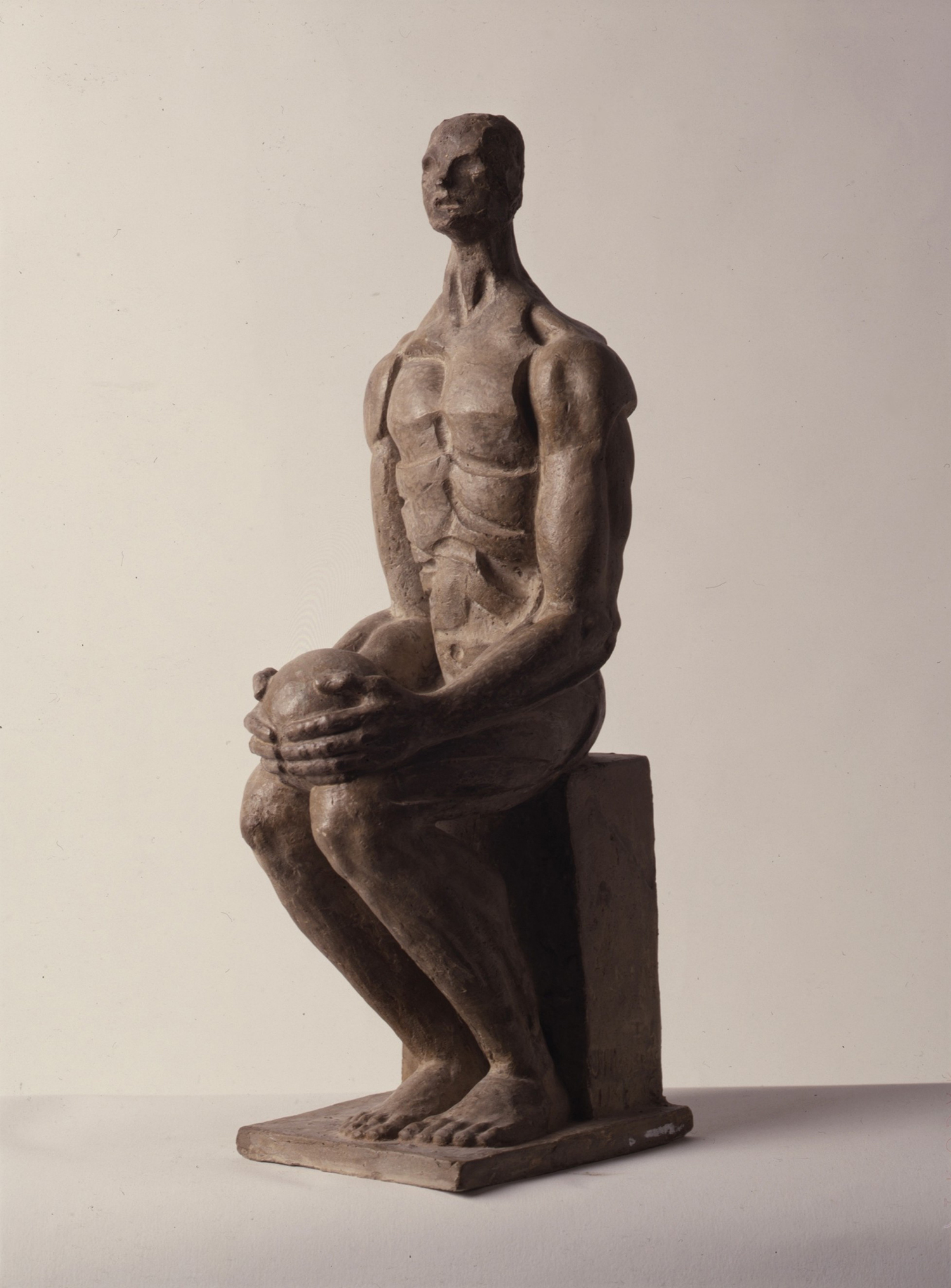 1984.5. Anatomía industrial, hormigón patinado, 38x12x13 cms. 1984