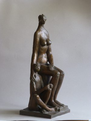 1986.3. Abuela y nieto, Bronce, 49x20x16 cms. 1986