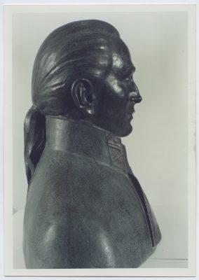 1990.3. Monumento al marino Manuel Quimper, Busto en bronce, Sooke, Canadá. 1990