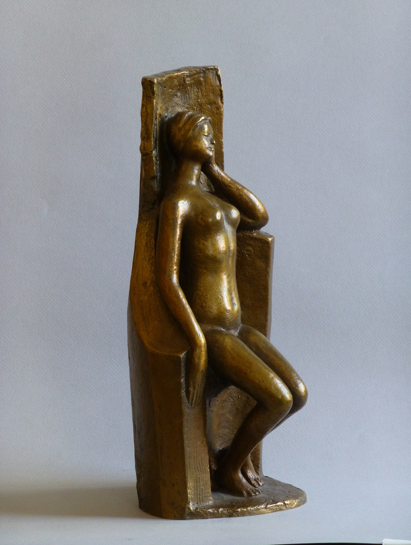 1994, Mujer sentada durmiendo, Bronce, 34x15x16 cms. 1994